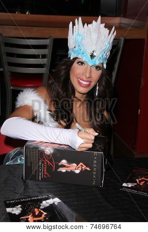 LOS ANGELES - OCT 25:  Farrah Abraham at the personal appearance to promote adult toy line at the Hustler Store on October 25, 2014 in West Hollywood, CA