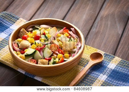 Fresh Salad with Croutons