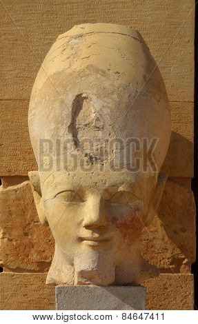 Head of the Queen Hatshepsut in temple (Dayr el-Bahari or Dayr el-Bahri), part of the Theban Necropolis.