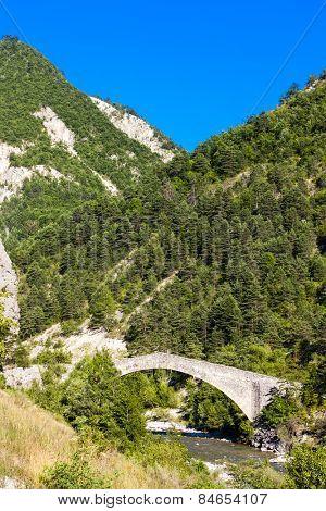 bridge Pont de la Reine Jeanne, Provence, France