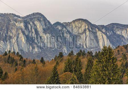 Postavaru Mountains Range