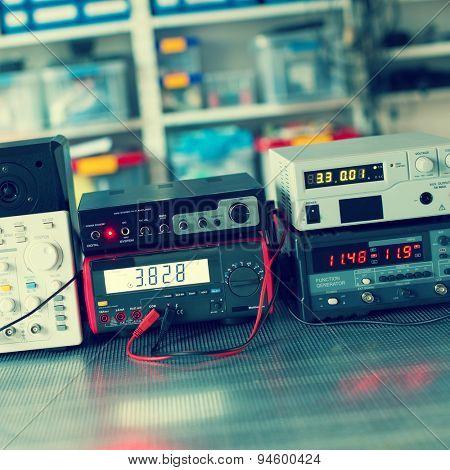 Digital measurements devices