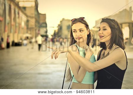 Friends walking around the city