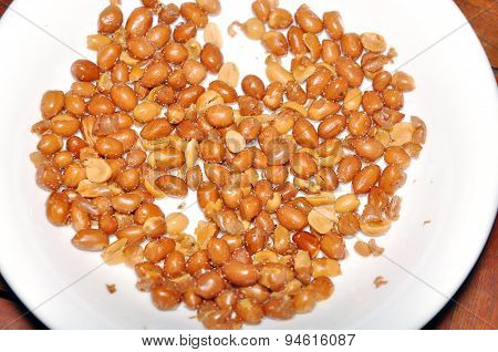 Dish of fried peanuts in the restaurant
