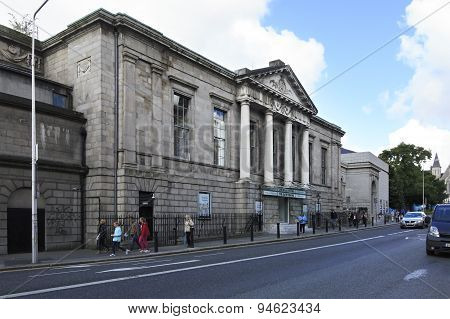 Historic building in the center of Dublin.