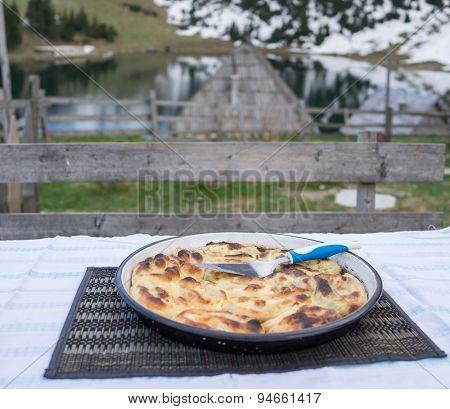 Handmade pita, Bosnian famous food