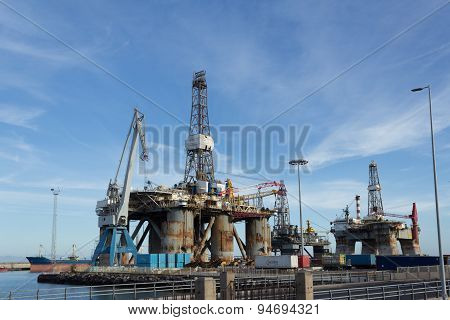Gas and oil rig platform in the port, shipyard