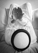 picture of arab man  - Elderly Muslim Arabic man praying - JPG