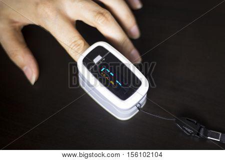 Cardiac Finger Pulse Meter