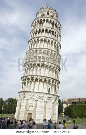 Pisa- the leaning tower in Tuscany Italy