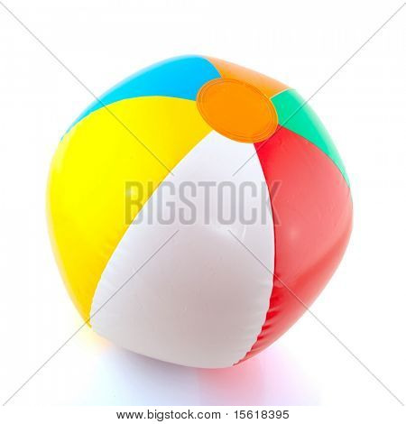 bunte schwebende Strandball isolated over white