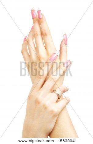 zwei Hände mit pink Acrylic nails