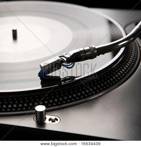 Makro Schuss von Vinyl-Player mit Hintergrundbeleuchtung