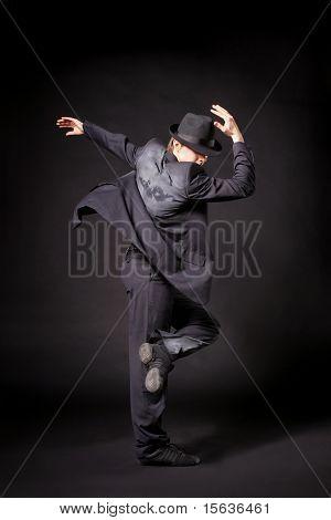 schöne und sehr stilvoll Tänzer posiert