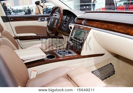 PARIS, FRANCE - OCTOBER 02: Paris Motor Show on October 02, 2008, showing Volkswagen Phaeton, interior view