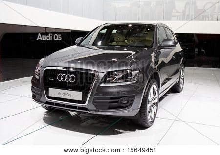 PARIS, FRANCE - OCTOBER 02: Paris Motor Show on October 02, 2008, showing Audi Q5, front view