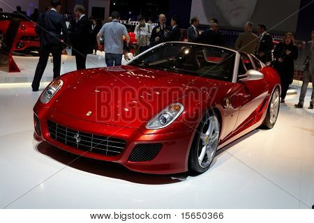 PARIS, Frankreich - SEPTEMBER 30: Ferrari SA APERTA auf Paris Motor Show am 30. September 2010 in Paris.