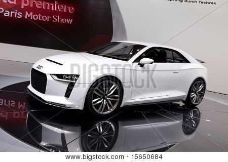 PARIS, FRANCE - SEPTEMBER 30: Paris Motor Show on September 30, 2010 in Paris, showing Audi quattro concept, side view