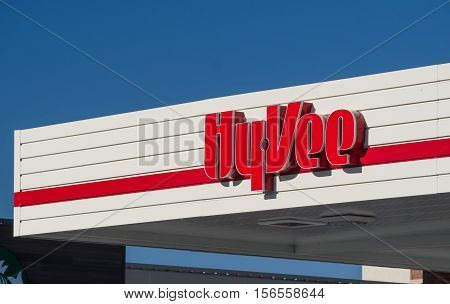 Hy-vee Retail Gas Station Store Exterior