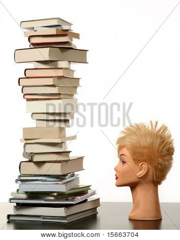 maniquí y libros