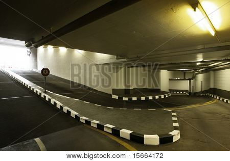 Estacionamiento de entrada