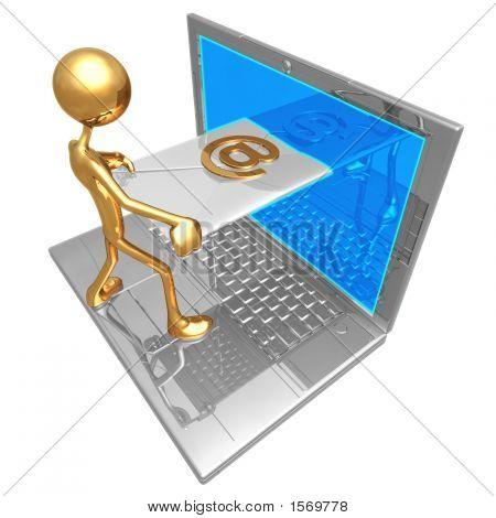 Envío de recibir correo electrónico a través de la pantalla del ordenador portátil