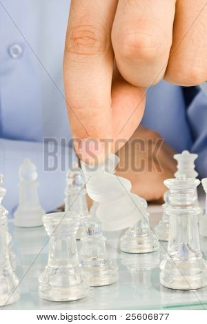 Making move on glass chessboard