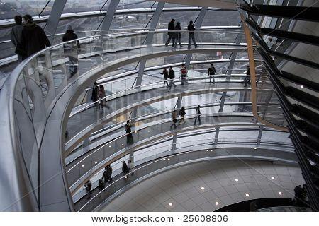Durchgang bis an die Spitze der Kuppel Reichstag, Berlin, Deutschland