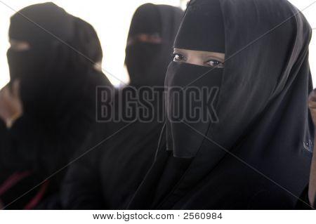 Women, Oman