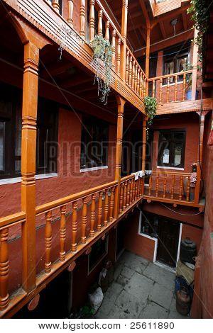 patio interior del Hotel, muktinath, nepal