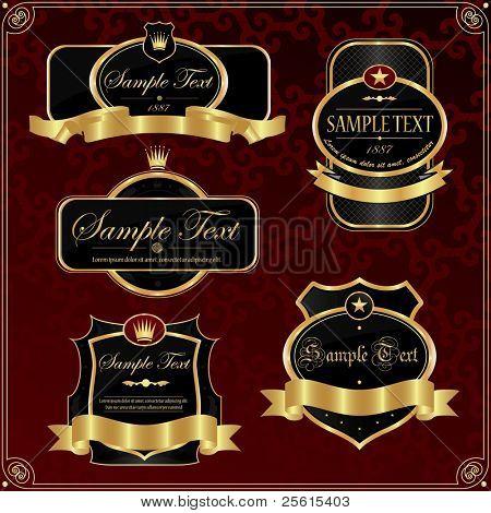 Conjunto de toda etiqueta vintage adornado.