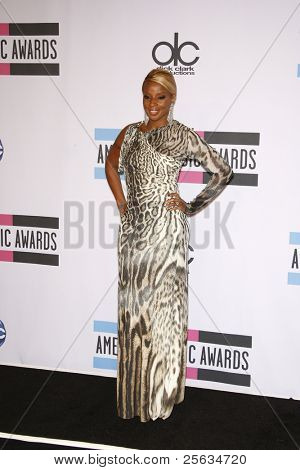 LOS ANGELES - NOV 20: Mary J Blige at the 2011 American Music Awards Press Room held at Nokia Theatre L.A. Live on November 20, 2011 in Los Angeles, California