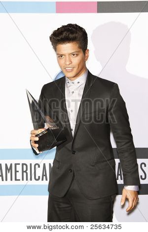 LOS ANGELES - 20 de novembro: Bruno Mars 2011 American Music Awards sala de imprensa realizada no Nokia Theatre