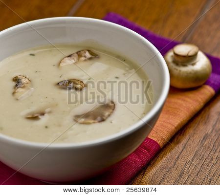 close up of Pilzsuppe.