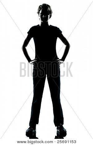 ein caucasian junger Teenager-Kontur-junge oder Mädchen stehen die Hände auf den Hüften in voller Länge im Studio Schnitt