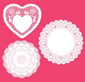 foto of doilies  - Set for round and heart shape lace doily - JPG