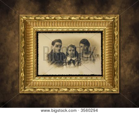Vintage Grunge Guilded Photo Frame
