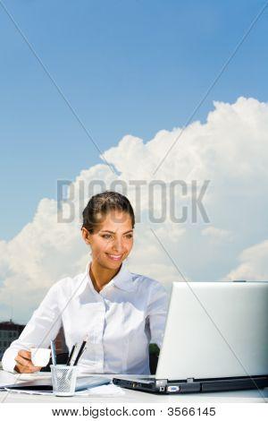 Mujer ocupada