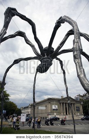 Maman By Artist Louise Bourgeois