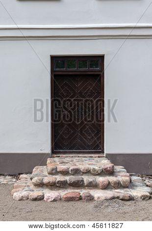 Door In Zypliai Manor