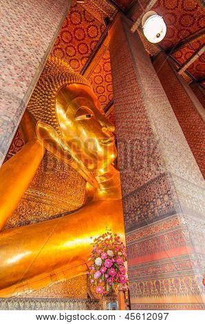 The Big Golden Reclining Buddha Within Wat Pho,bangkok,thailand