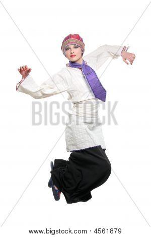 schöne Frau mit Freude springen