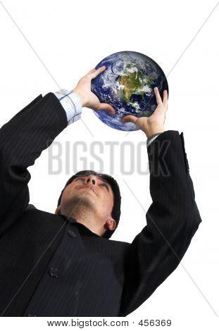 Homem de negócios com a globo sobre branco