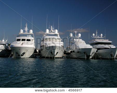 Posh Super Boats