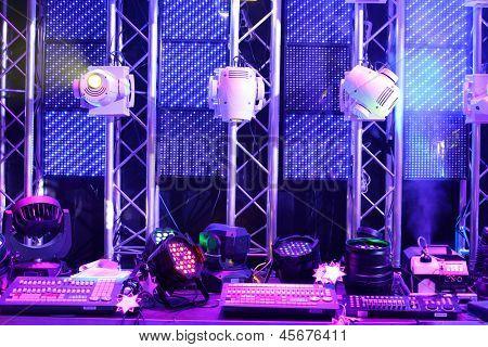 Equipamentos e controles de iluminação para clubes e salas de concerto do equipamento de iluminação da exposição