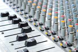 picture of track home  - Music control panel device for dj - JPG