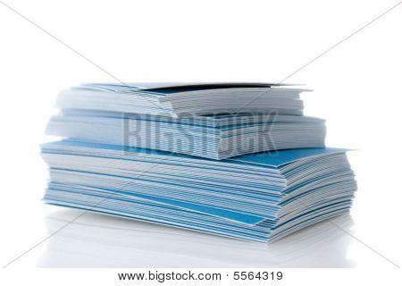 Pilha de cartões azuis