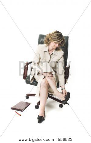 Business Frau Bein Müdigkeit