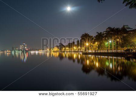 Full moon on west lake