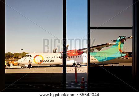 Island Air ATR 42 in HNL Airport
